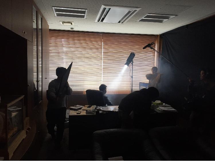ミッション・イン・ポジティブの動画メイキングシーン